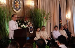 Poe thanks Aquino for siding with her