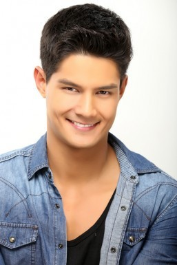 Daniel Matsunaga signs exclusive contract with ABS-CBN