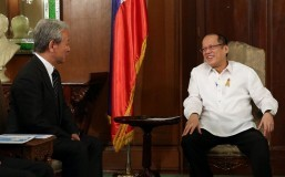 Aquino's decision to stop balikbayan box inspections not politically motivated: Palace