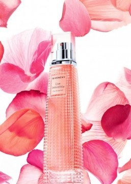 Women's fragrances: a sparkling cocktail of flowers and fruit for fall