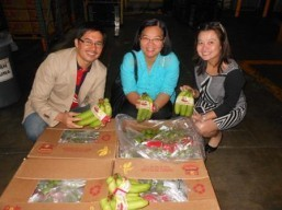 Philippine fresh bananas available at Gelson's and Walmart on 21 September 2013
