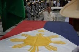 Aquino slams naysayers in Heroes Day speech