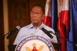 SWS: VP Binay, Poe, Roxas and Duterte in tight race for presidency