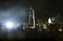 PHL marks Easter with bloody mock crucifixions