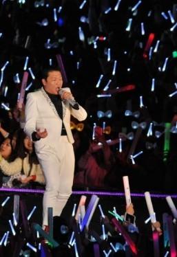 Psy tops global social media chart: Starcount
