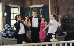"""The creators of """"How I Met Your Mother"""" were considering two different endings for the show. ©CBS Broadcasting Inc."""