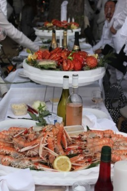 Find a Diner en Blanc event near you and learn to play the game