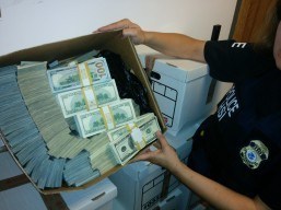 8 nabbed in $65-M cold cash money laundering operations in fashion district