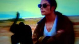 Michael Jackson aims to be King of Twitter with video