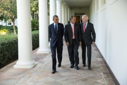Obama to act on immigration 'alone'
