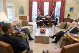 Obama pressures Congress on US security, immigration