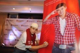 MoneyGram Renews Contract with Actor Robin Padilla as Brand Ambassador  Connecting With Our Filipino Consumers Worldwide