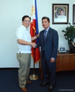 De Castro, new PHL honorary consul for San Diego