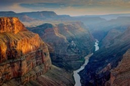 Grand Canyon could re-open as US eyes parks deal