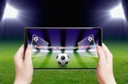 One in three web users follows British football. ©Igor Zh./shutterstock.com