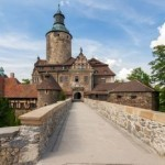 Polish castle to set the scene for real-life wizarding school