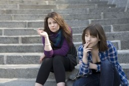 US launches new anti-smoking offensive