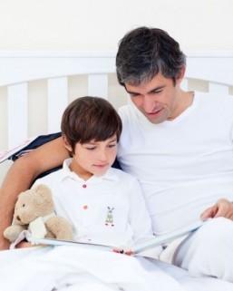 Books still beat tablets for reading to children