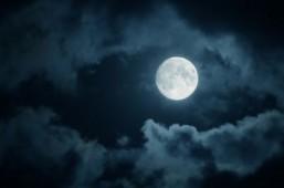 The full moon may make it hard to sleep: study