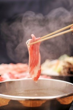 Chinese restaurant chain hopes to popularize hot pot in US