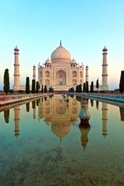 India moves to ease visa restrictions to attract tourists