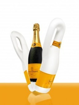 Eco-friendly champagne cover made with potatoes and paper